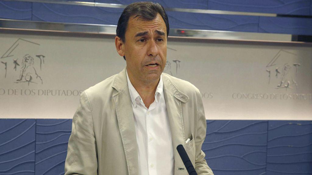 """Maíllo: """"Cada minuto que negociamos hace más insostenible la posición de Sánchez"""""""