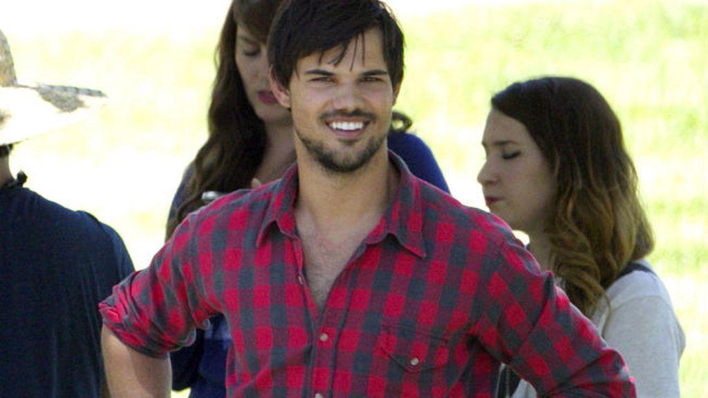 Ser actor infantil le trajo problemas a Taylor Lautner