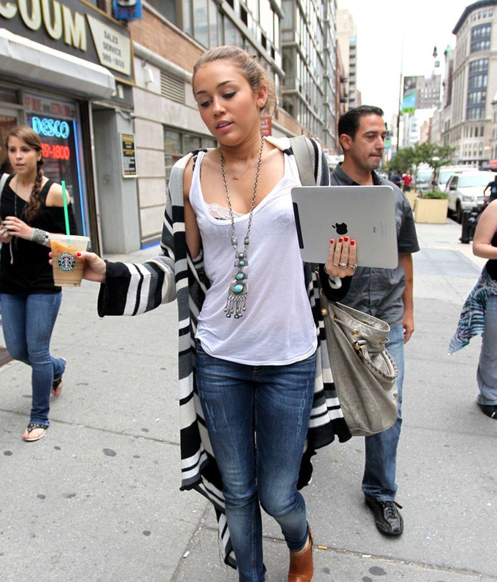 Del Papa a Sarah Jessica, famosos locos por las tablet
