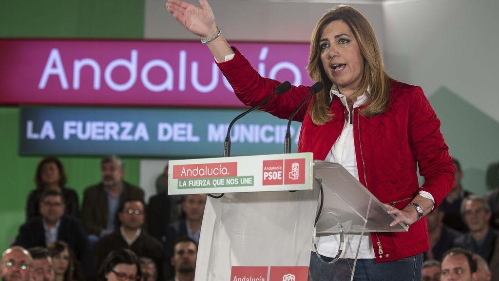Susana Díaz en un acto con candidatos socialistas a las elecciones municipales