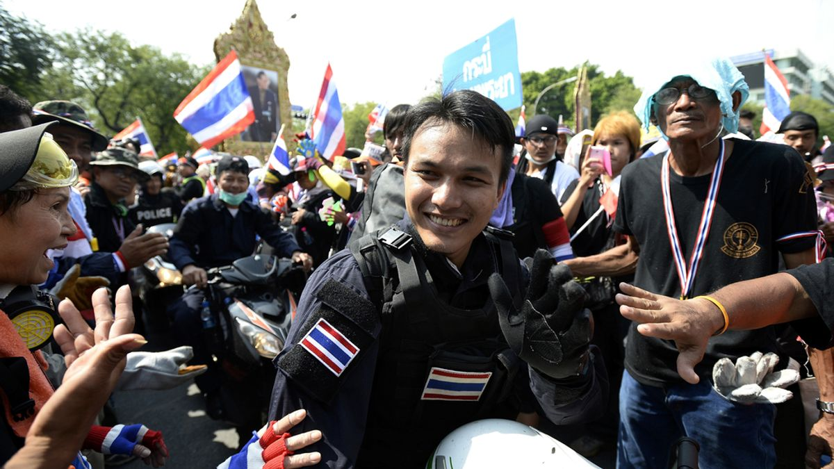 El Gobierno de Tailandia ordena a la Policía no actuar contra los manifestantes