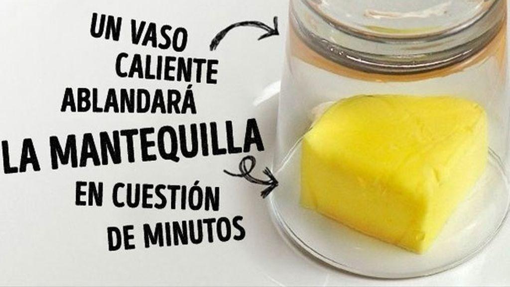 Un vaso tibio ayuda a ablandar la mantequilla dura
