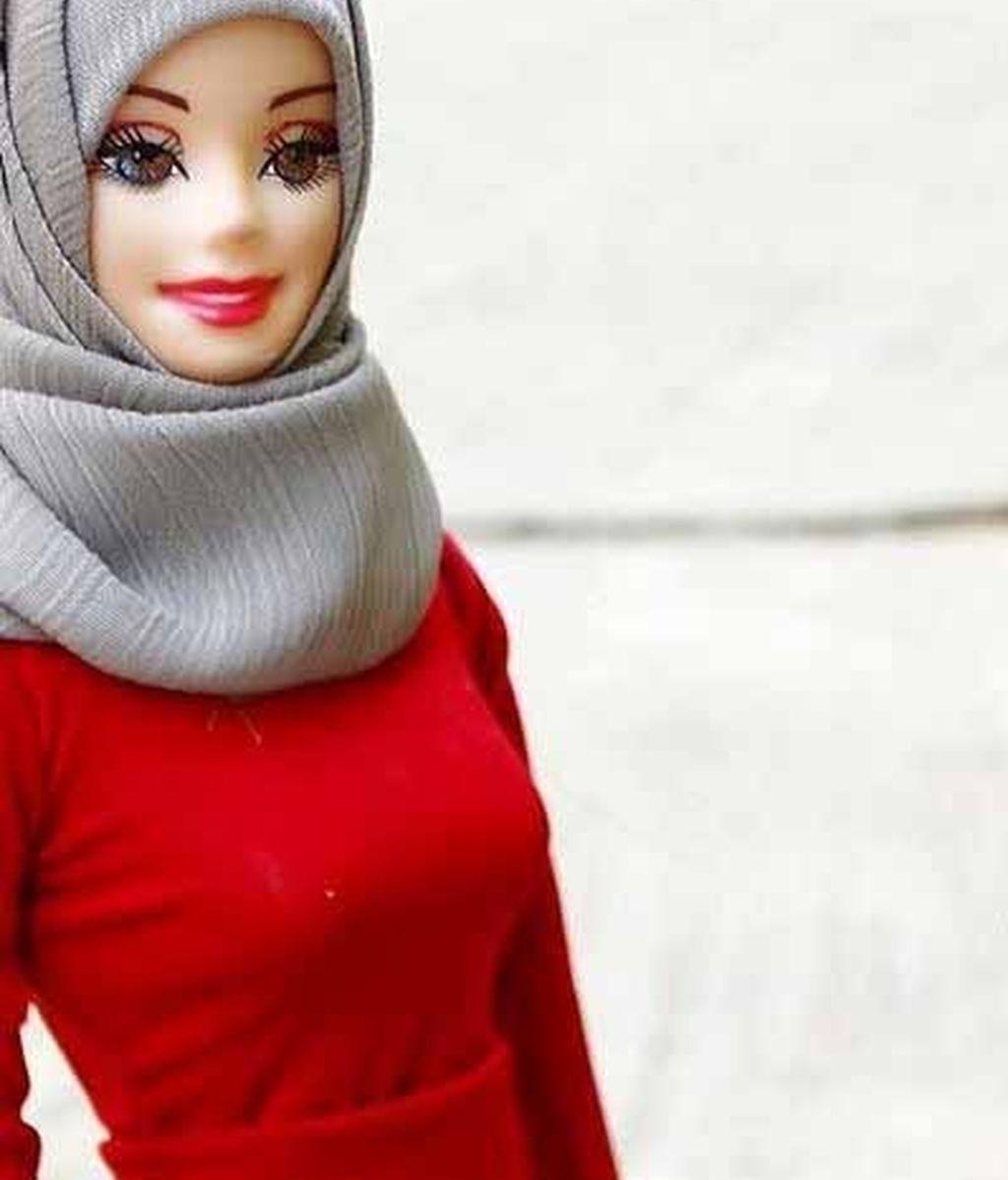 La cuenta de Instagram Hijarbie ha popularizado esta muñeca