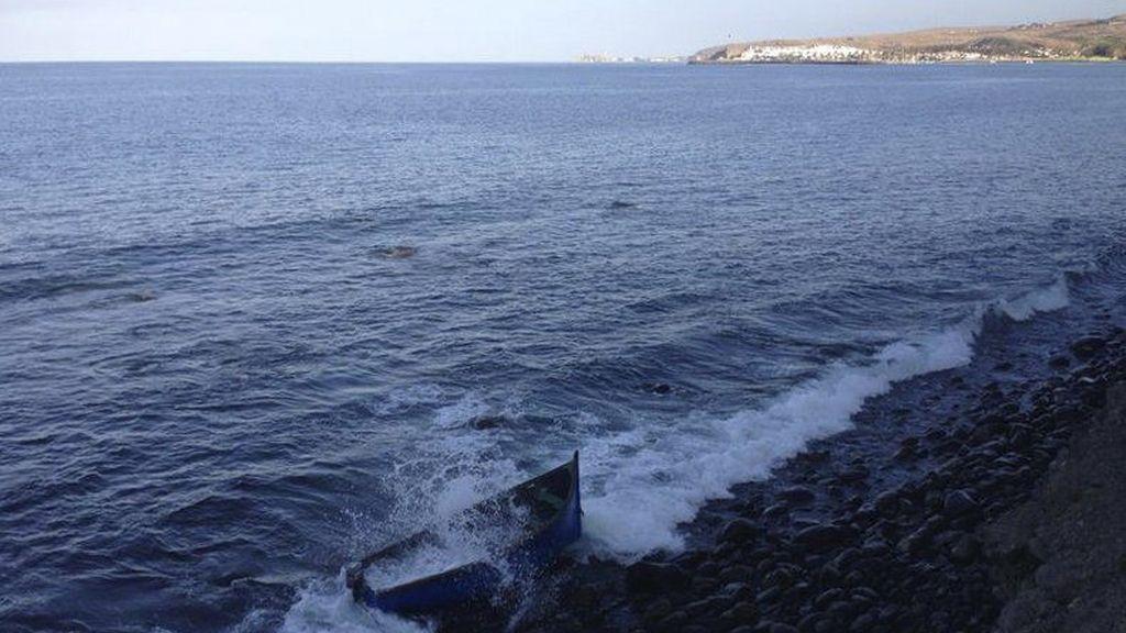 Una de las dos pateras en las que han llegado 50 inmigrantes a Gran Canaria