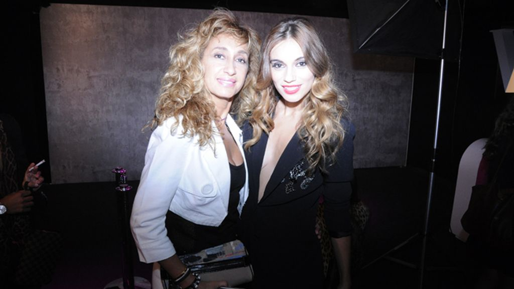 Norma Ruiz, guapísima de Ermmano Scervino, acudió junto a su hermana