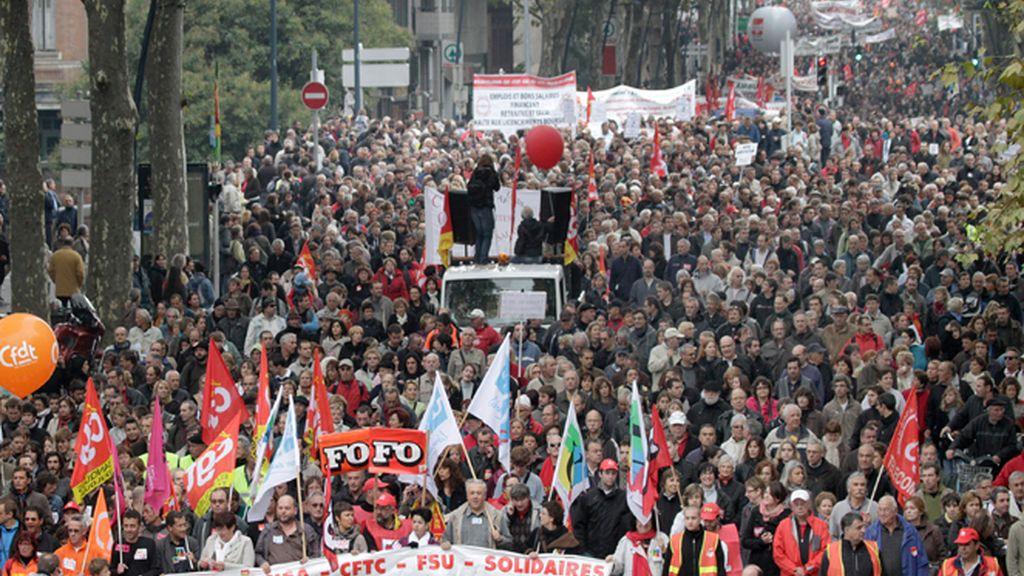 Continúan las protestas contra la reforma de pensiones en Francia