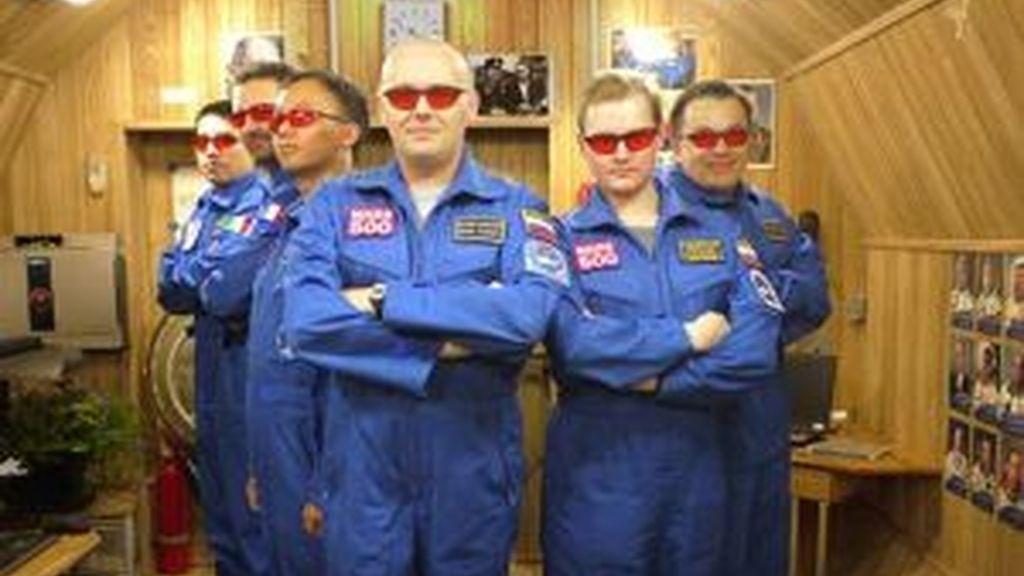 La tripulación de la Mars500, al completo. Foto: ESA.