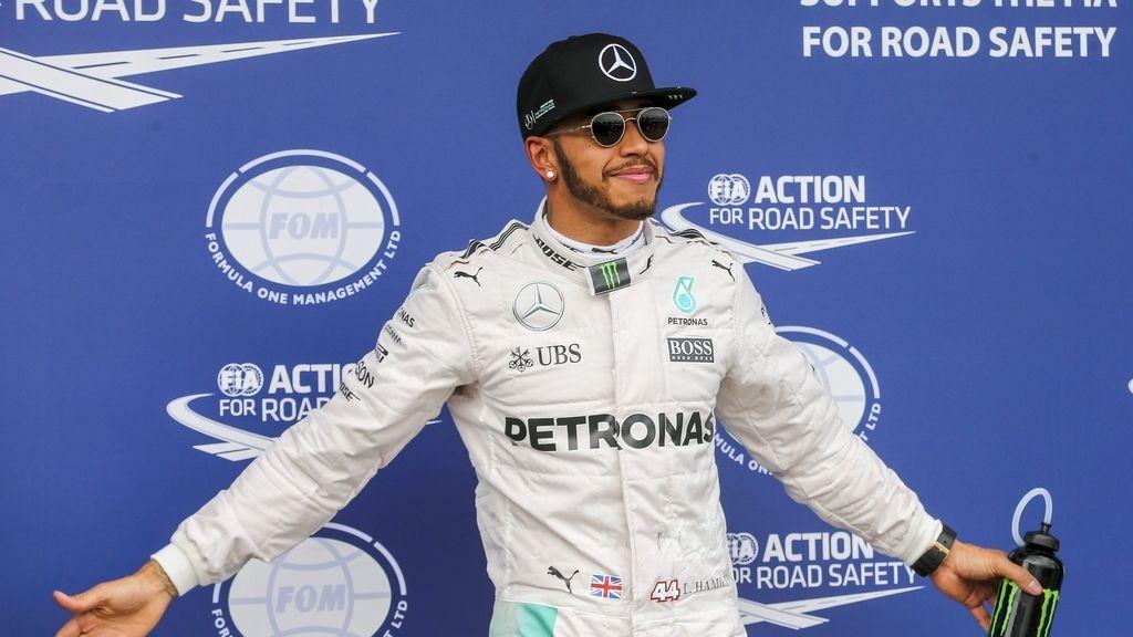 Hamilton firma la primera pole en Australia y Alonso saldrá duodécimo