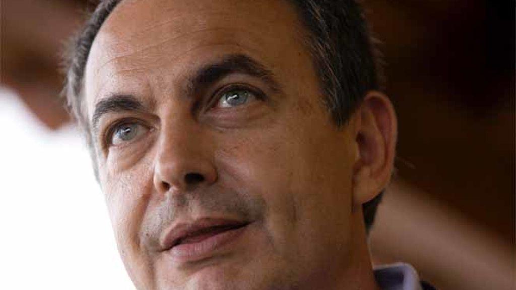 El presidente del Gobierno, José Luis Rodríguez Zapater, en la isla de La Palma en las Islas Canarias