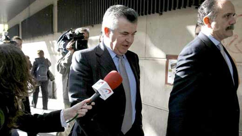 Acusado de desviar 36 millones de euros. Video. ATLAS