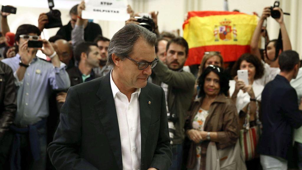 """Mas ve una gran victoria de la democracia pese a los """"obstáculos"""" de Rajoy"""