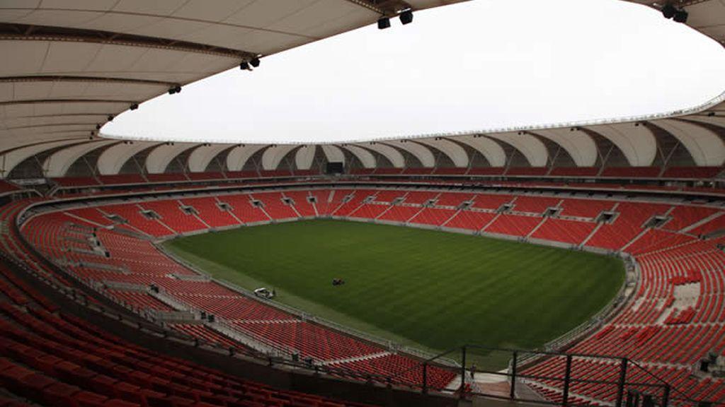 El Estadio Nelson Mandela, en la bahía Nelson Mandela (Puerto Elizabeth)