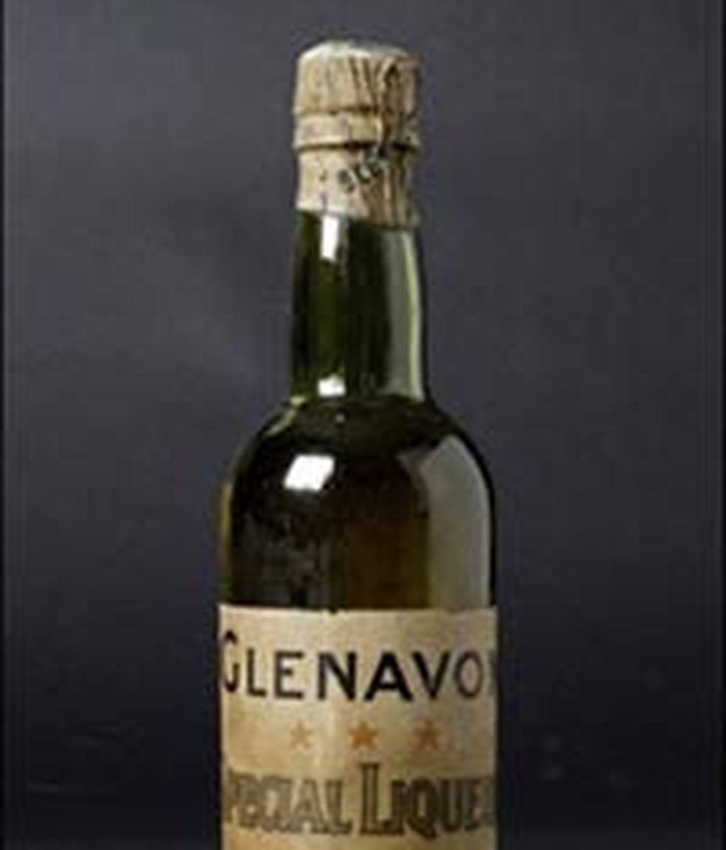 Una de las botellas más antiguas del mundo, adjudicada en una subasta por 21.990 euros. Foto: elporvenir.com