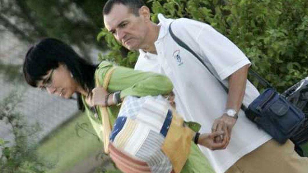De Juana Chaos ha salido acompañado por su esposa.