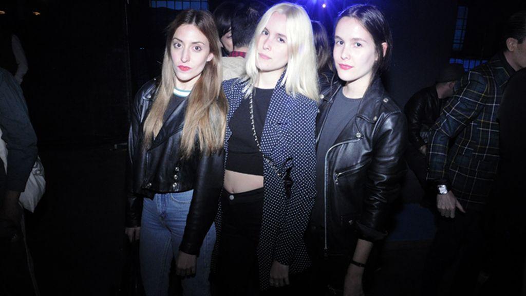 Elena Gallen posando con las hermanas Cuesta