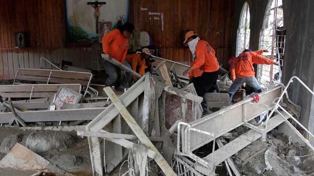 540 muertos y 827 desaparecidos por el tifón 'Pablo'