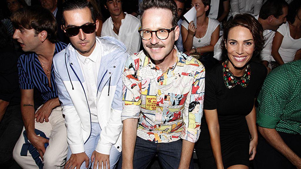 Vestido de García Madrid en el front row junto a Joaquín Reyes y García Madrid