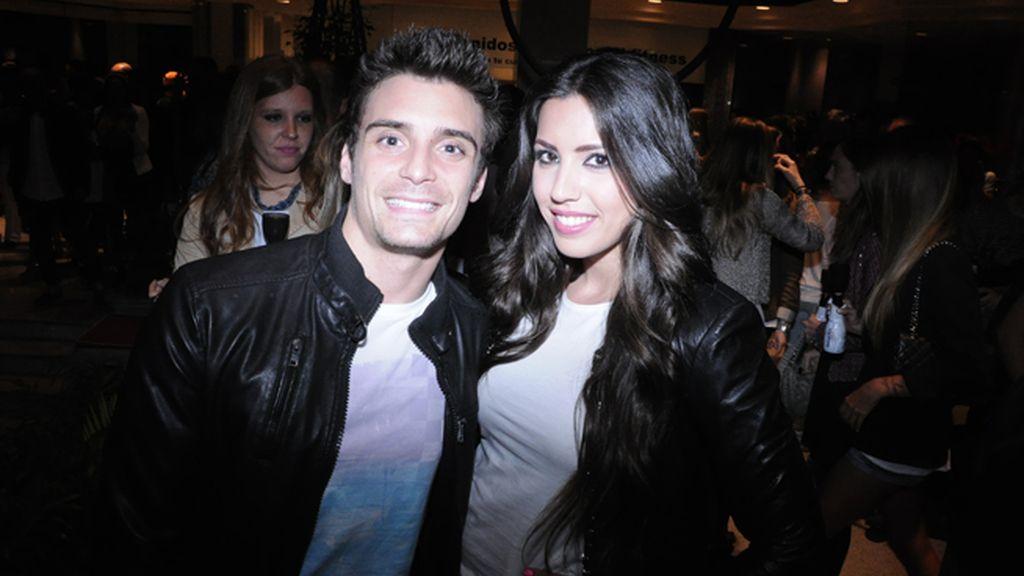 El cantante y actor Gerard Martí con Marta Larrañaga