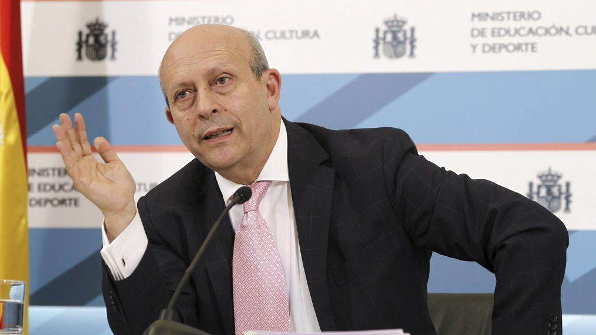 "Wert afirma que se evitará repartir becas ""en forma de limosnas"""
