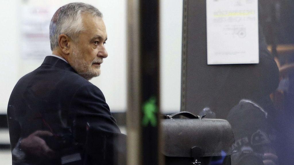 José Antonio Griñán, expresidente de la Junta de Andalucía, llega al Supremo