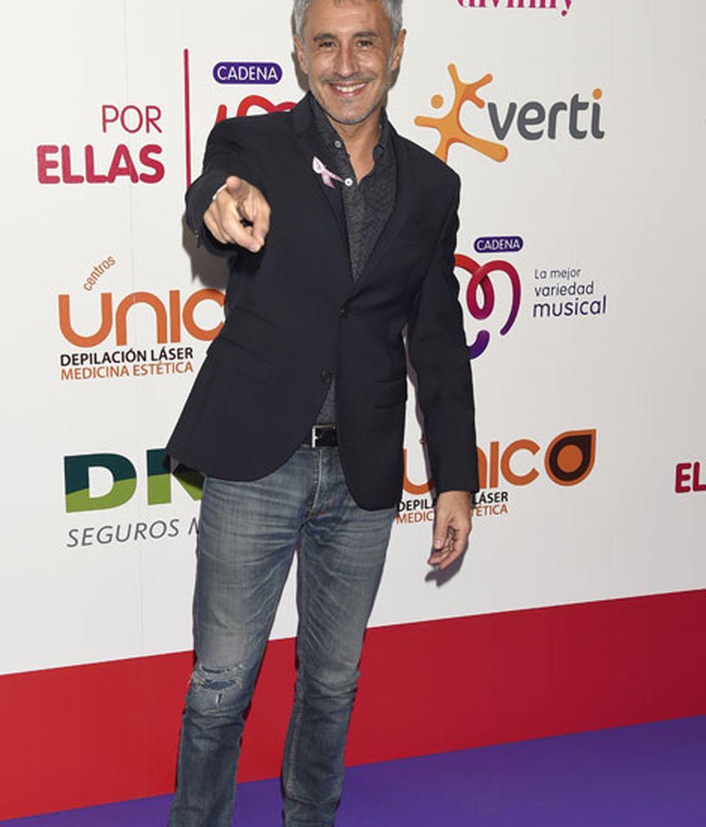 Sergio Dalma en la alfombra morada