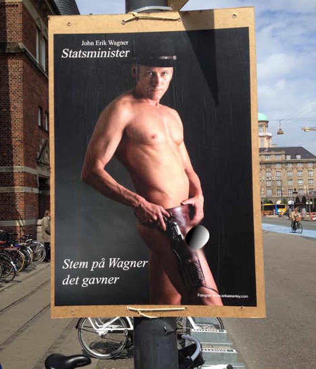 Carteles con el candidato a primer ministro desnudo llenan las calles de Copenhague