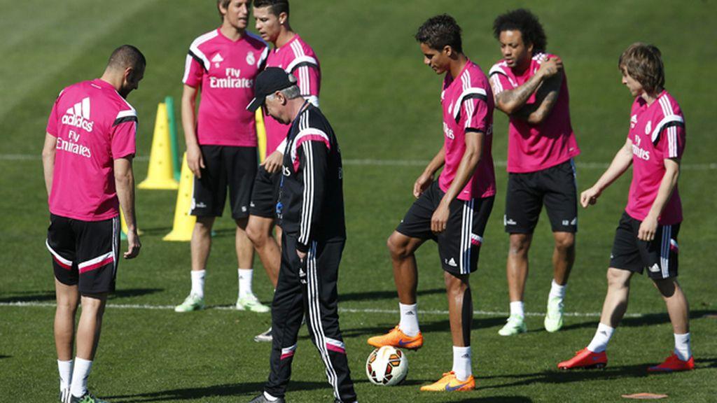 Entrenamiento Previo frente al Granada del Real Madrid