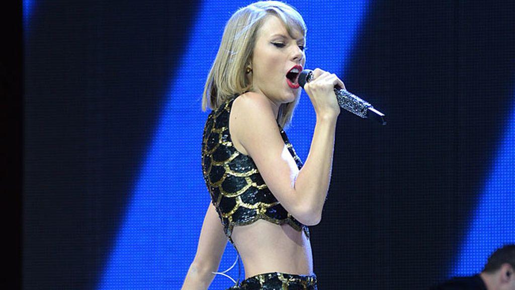 Un diente menos y una lección aprendida para Taylor Swift