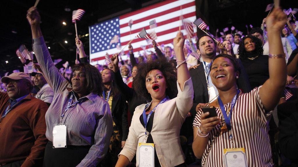 Seguidores de Barack Obama celebran la victoria en el cuartel general del Partido demócrata