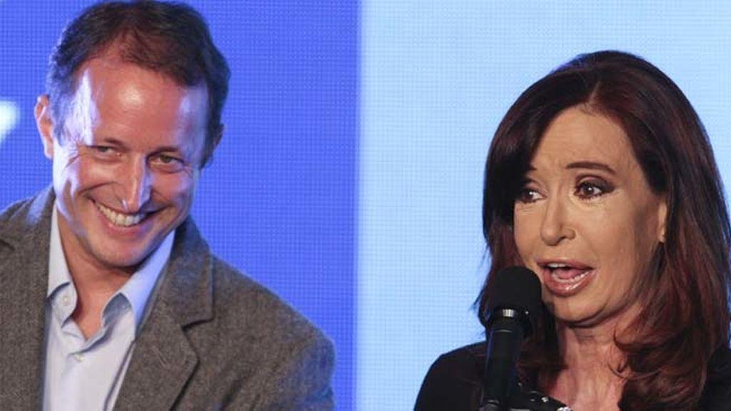 Cristina Fernández  acompañada del candidato de su partido Martín Insurralde, Argentina