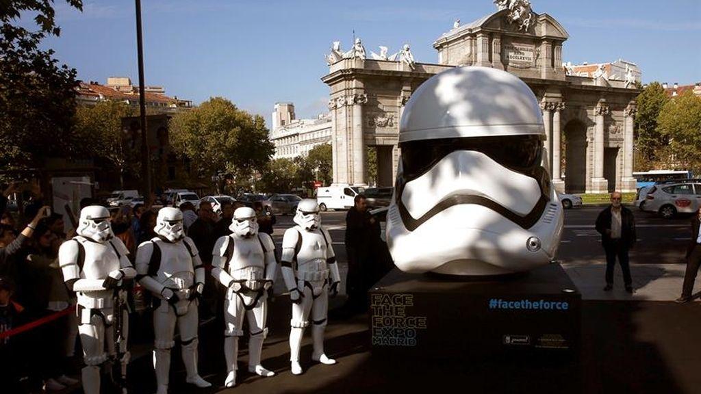 Madrid disfrutará de 8 réplicas gigantes de cascos de la saga Star Wars en sus calles