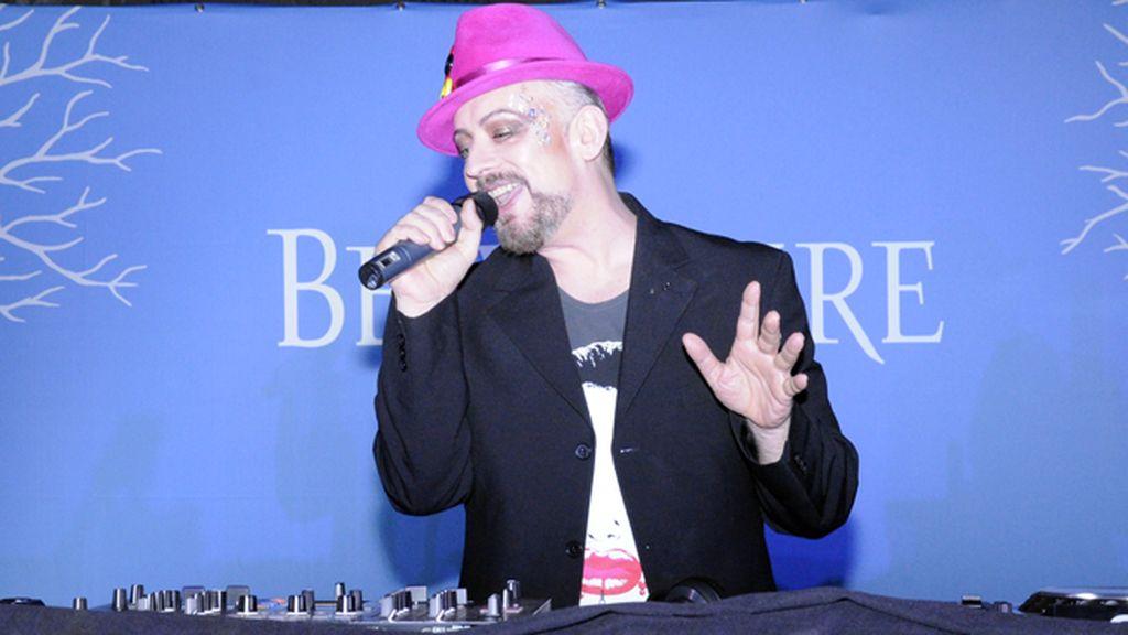 Boy George también se animó a cantar durante su sesión