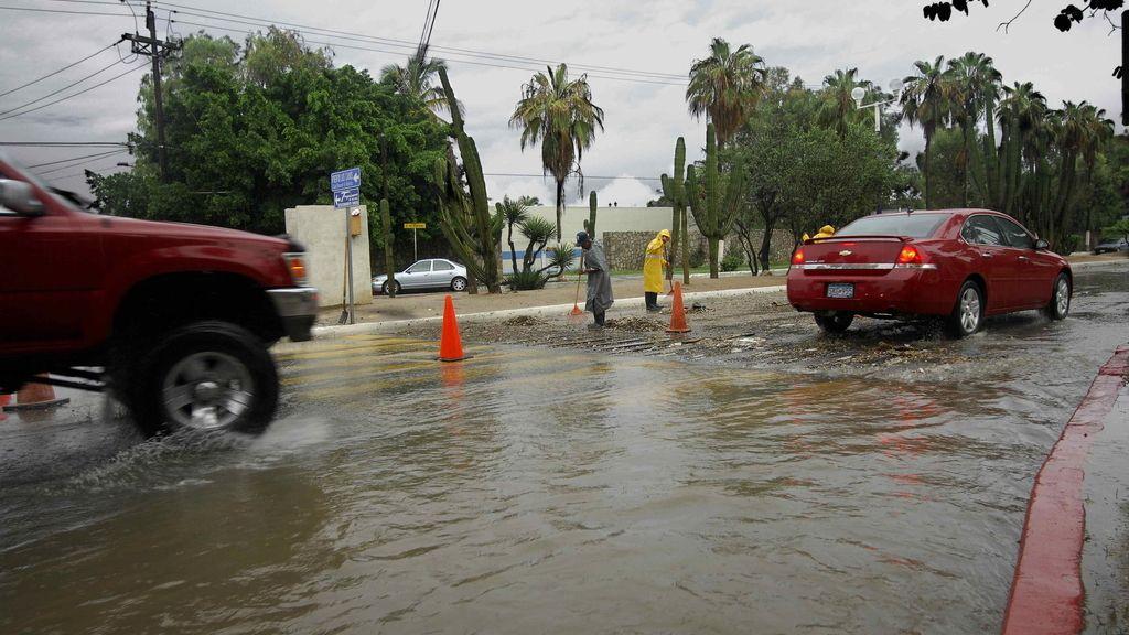 Fuertes lluvias, derrumbes y estragos en infraestructuras