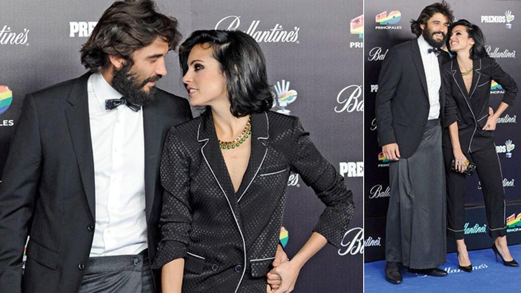 Alex García y Verónica Echegui, con faldas y a lo loco