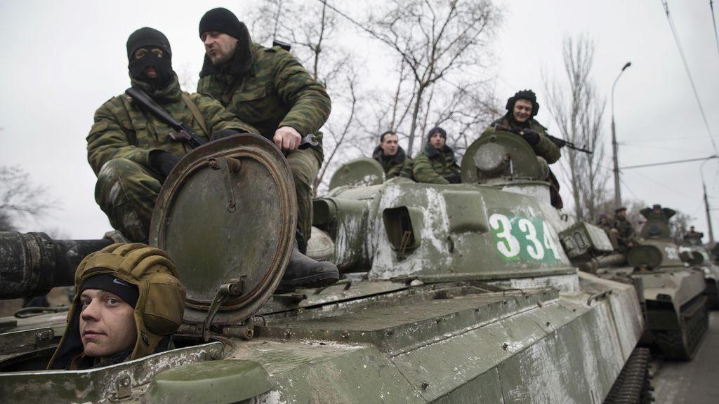 Los separatistas de Donetsk terminan la retirada de armamento pesado