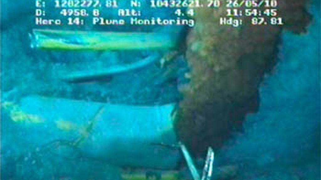 BP pone en marcha el 'Top kill', el nuevo procedimiento con el que pretende detener el vertido