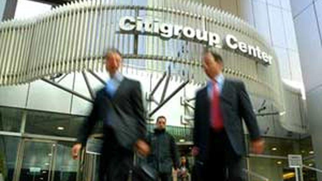 Citigroup recortará 50.000 empleos en todo el mundo, con el objetivo de reducir su plantilla en un 20 por ciento.