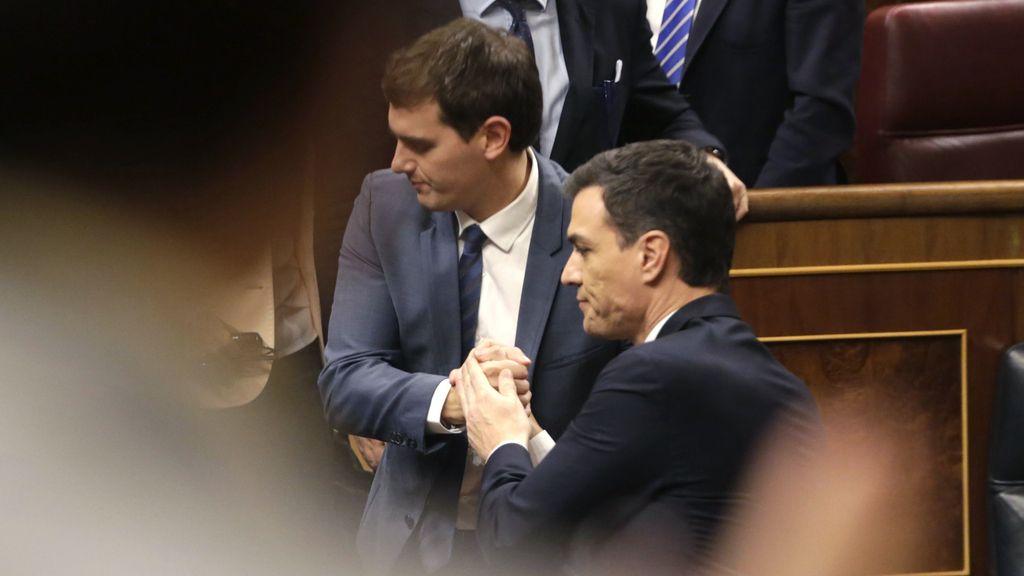 Pedro Sánchez y Albert Rivera tras la investidura fallida