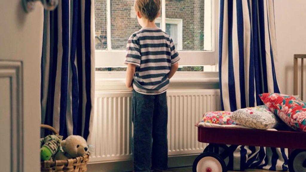 niños abandonados,niños solos en casa,menores en casa,maltrato niños,Reino Unido