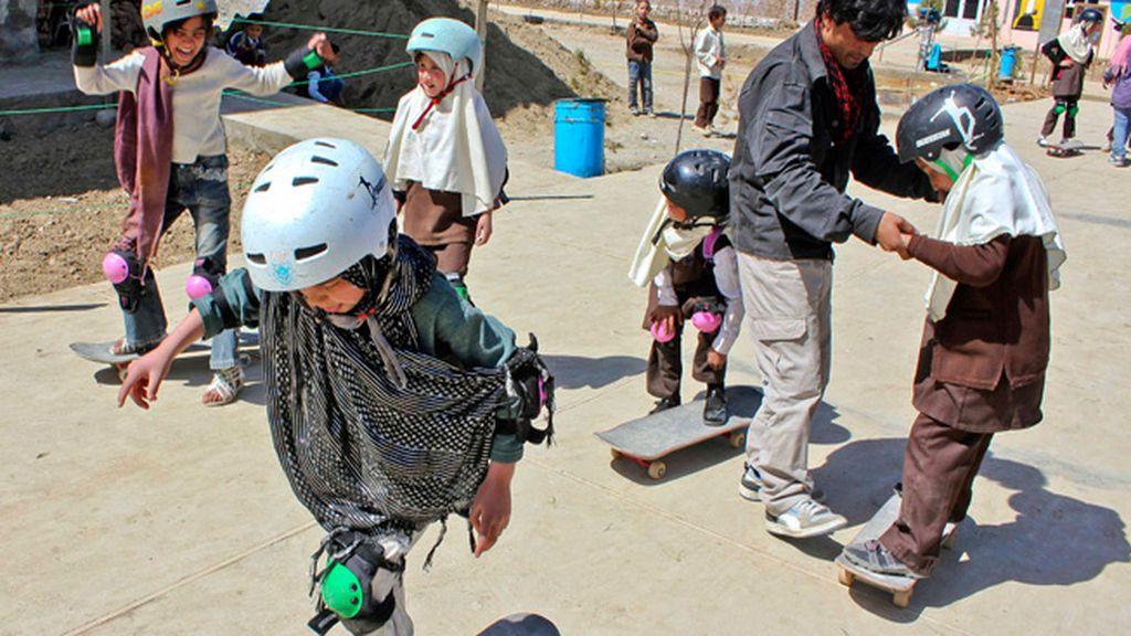 Niñas de la calle, salvadas por el skate