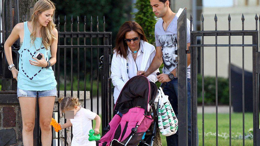 Fernando Torres y Álvaro Arbeloa, pasan el día con sus mujeres e hijos