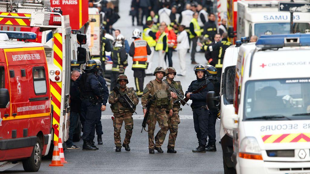 Dispositivo policial y militar en Saint Denis