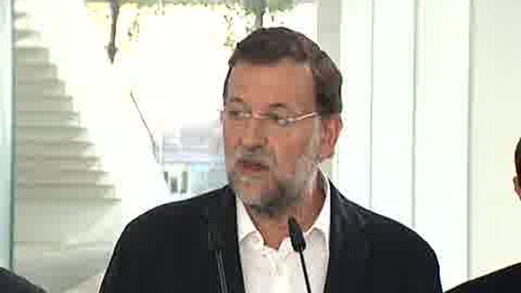 """Rajoy hace """"responsable"""" a Zapatero de los """"ataques"""" al PP"""