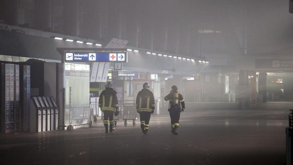 Cerrado el aeropuerto de Roma-Fiumicino tras un incendio en las instalaciones