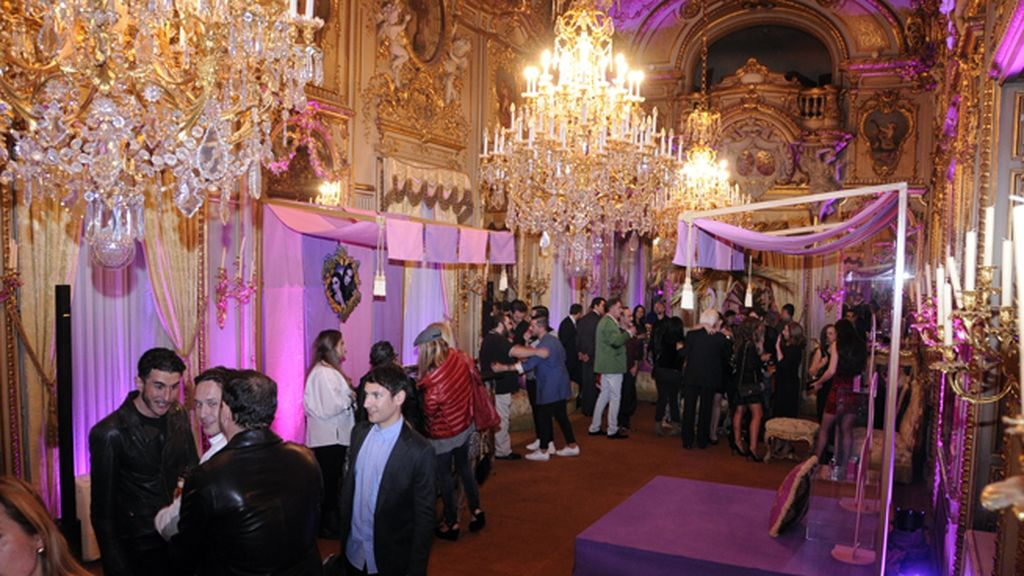 El espléndido Palacio de Fernán Núñez fue el escenario elegido para presentar estas nuevas fragancias