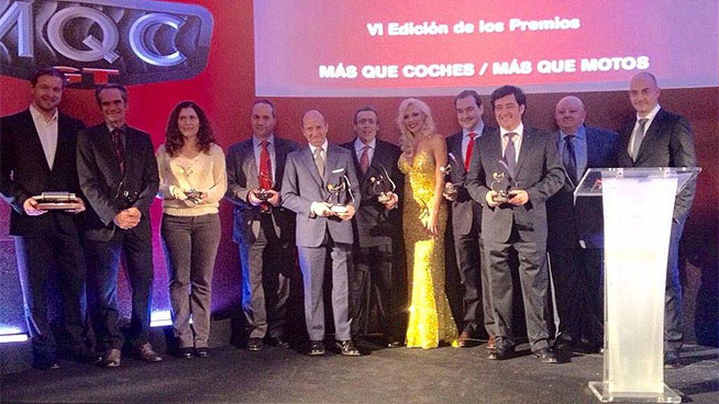 Carolina Alcázar y Gonzalo Serrano con todos los premiados