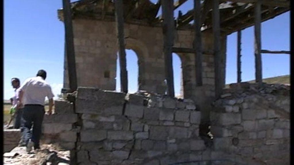 La iglesia llama a los feligreses a colaborar para salvar varias obras de arte