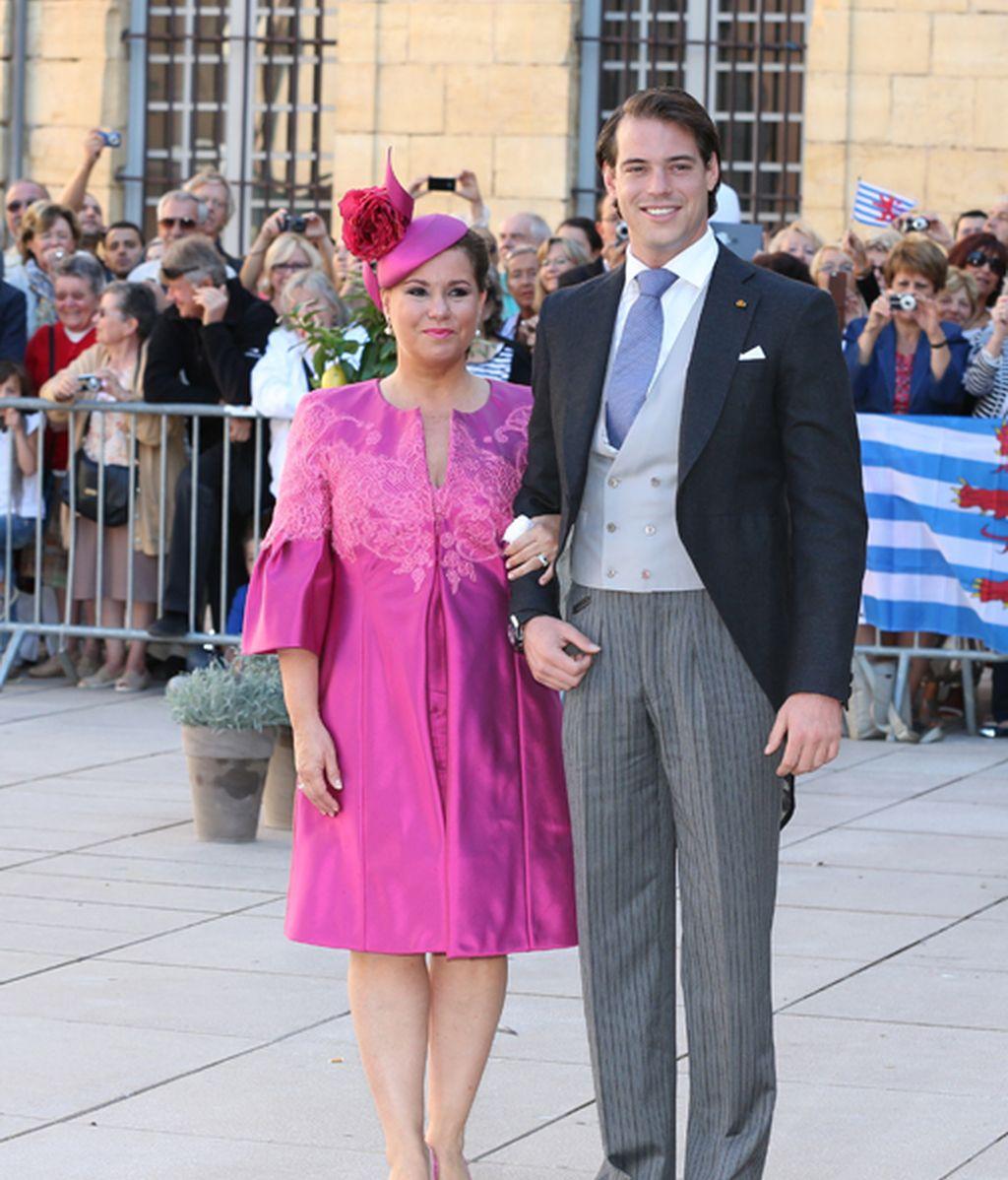 El novio y su madre la gran duquesa Maria Teresa