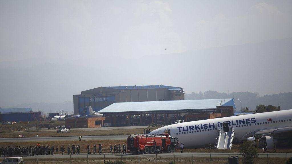 El aeropuerto de Katmandú cesa su actividad tras el aterrizaje fallido de Turkish Airlines