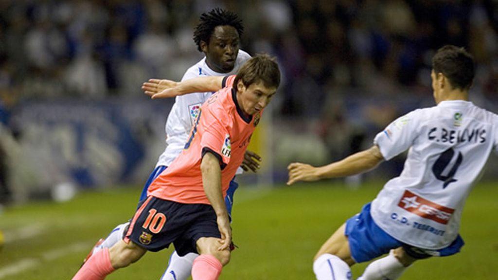 Leo Messi disputando el partido Tenerife-Barcelona
